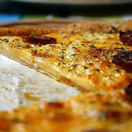 recette Tarte fine au chorizo, pommes de terre et parmesan