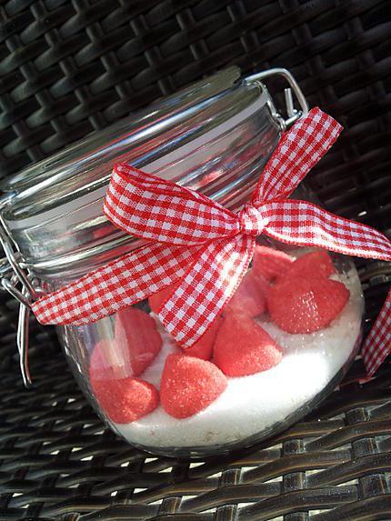 recette de bocaux de riz au lait au fraise tagada cadeau gourmand. Black Bedroom Furniture Sets. Home Design Ideas