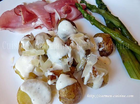 recette Pommes de terre primeur rôties à la sauce au parmesan