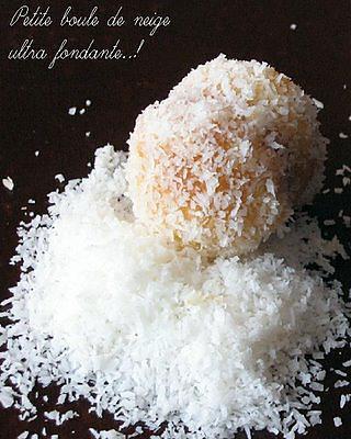 Boules de neige : petits gâteaux fondants à la confiture et noix de coco