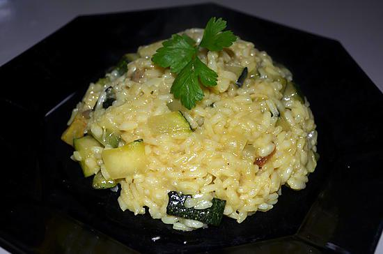 recette de risotto aux courgettes par les petits plats du. Black Bedroom Furniture Sets. Home Design Ideas