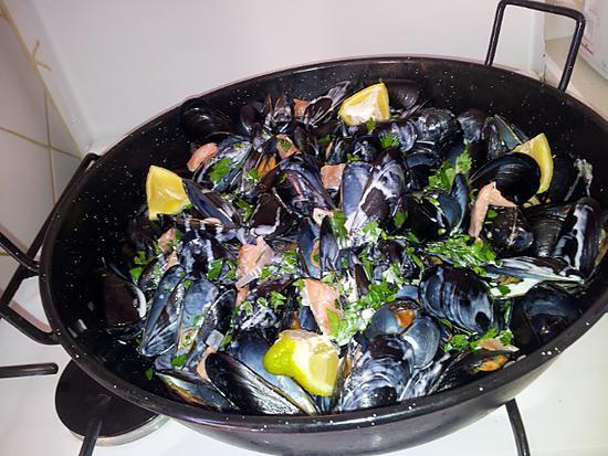 recette Notre repas *Moules sauce à la créme saumon-Frites Maison* familiale