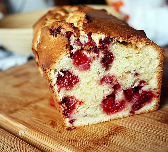 recette Cake à la crème et aux framboises
