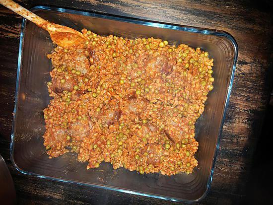 recette Boulettes de viande  à la tomate, boulgour et petits pois