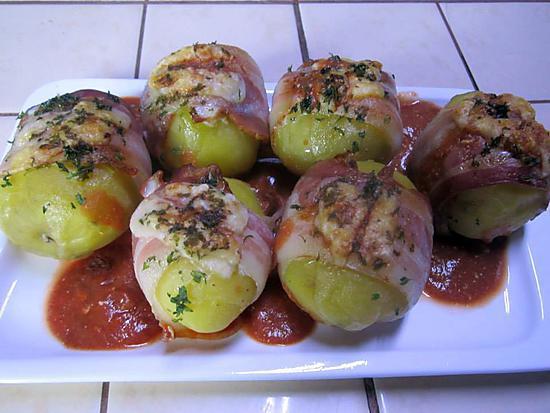 recette Pommes de terre enrobées de poitrine fumées au four.