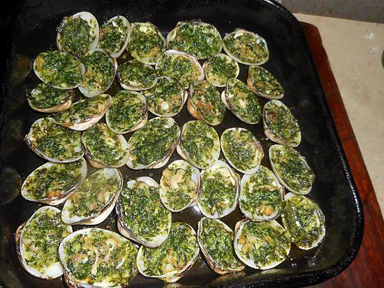 Recette de palourdes farcies au beurre d escargot - Beurre d escargots maison ...