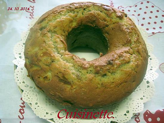 recette Gâteau yaourt aux noix et pomme.