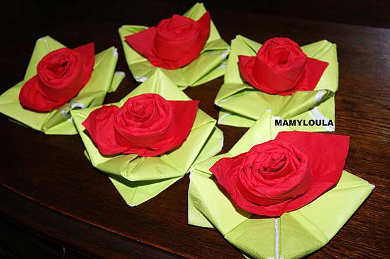 Recette de pliage de serviette rose for Pliage serviette rose
