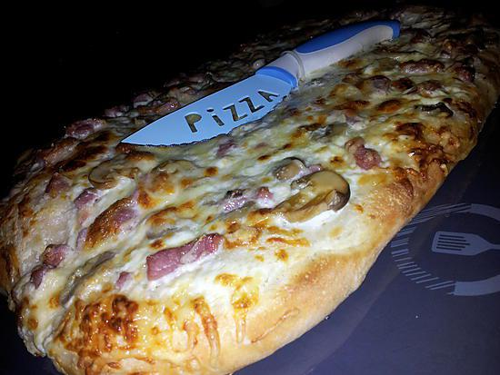 recette de fougasse aux lardons champignons fromage fa on pizza. Black Bedroom Furniture Sets. Home Design Ideas