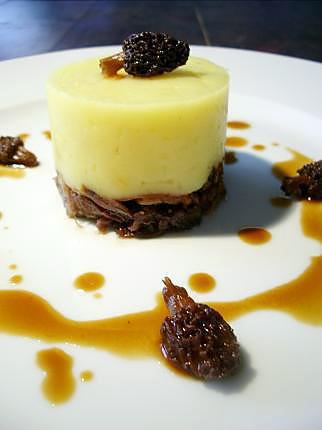 recette Parmentier à l'huile de noisette et confit de canard aux morilles...