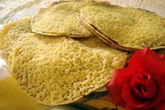 Recette de baghrir cr pe alg rienne for Notre cuisine algerienne