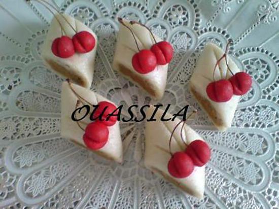 Kefta décoré en cerise (pâte d\u0027amande) le maspain
