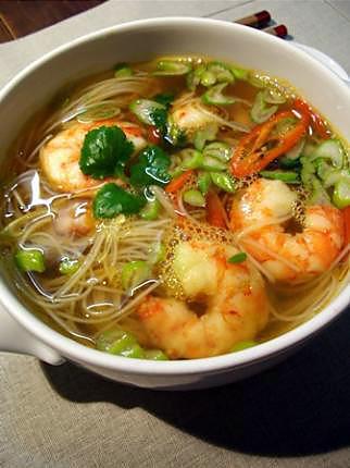 recette Soupe de crevettes à la citronnelle d\u0027inspiration asiatique.