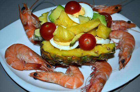 recette de salade surprise en coque d 39 ananas. Black Bedroom Furniture Sets. Home Design Ideas