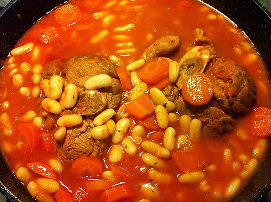 Recette de jarret de veau aux haricots blancs - Comment cuisiner le jarret de veau ...
