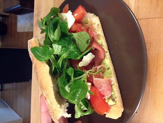 recette Sandwich sur le pouce : Guacamole Serrano Chèvre