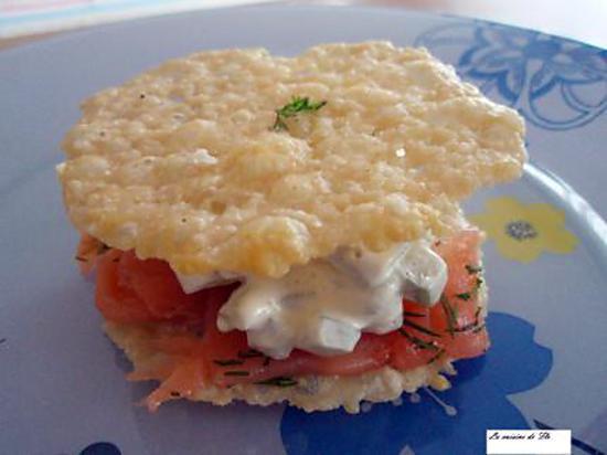 recette Millefeuille de parmesan et saumon fumé