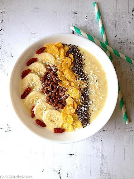 recette Smoothie bowl banane, ananas, noix de coco