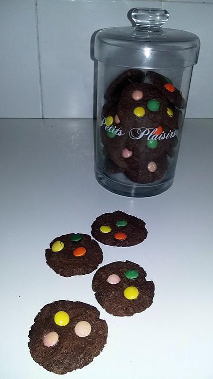 recette Cookies au beurre de cacahuète cacao et smarties