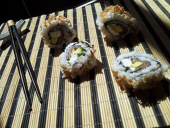 recette de makis california roll au oignon frit faits maison. Black Bedroom Furniture Sets. Home Design Ideas