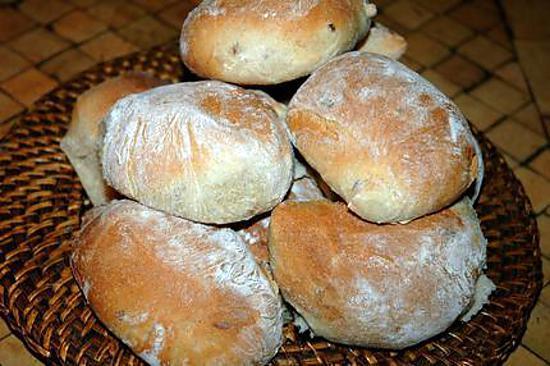 recette Petits pains de seigle aux raisins de Corinthe