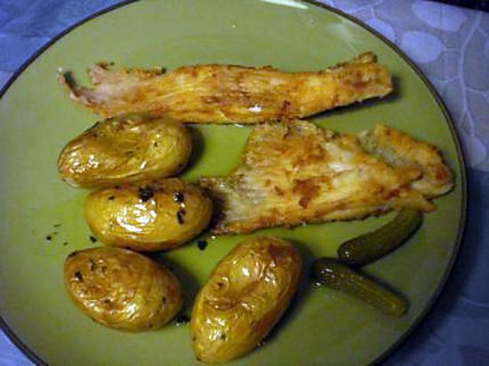 Recette d 39 ailes de raie ma fa on avec pommes de terre au four batatas ao murro - Recette saumon au four avec pomme de terre ...