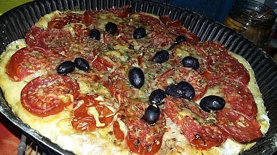 recette Foccacia au thon tomate olives