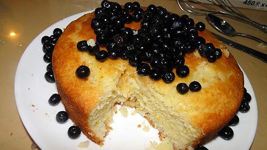 recette Gâteau au yaourt, amandes, eau de rose et myrtilles