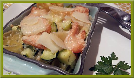 recette Gratin de pâtes aux courgettes et saumon fumé.