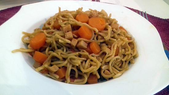 recette de nouilles chinoise aux carottes et au cookeo. Black Bedroom Furniture Sets. Home Design Ideas