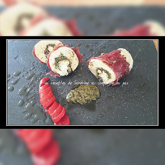 recette Roulade de poulet farci à la ricotta, pesto et boeuf séché (au companion ou autres robots)