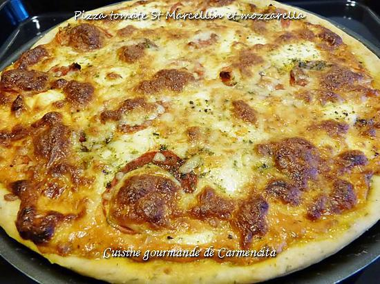 recette de pizza au thym tomates st marcellin et mozzarella. Black Bedroom Furniture Sets. Home Design Ideas