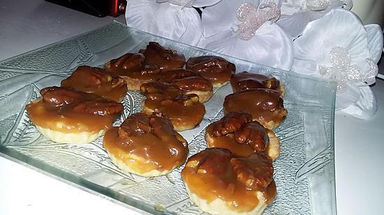 recette Tartelettes au caramel beurre salé et aux noix de pécan