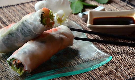 recette ROULEAUX DE PRINTEMPS FAITS MAISON POUR NOUVEL AN CHINOIS