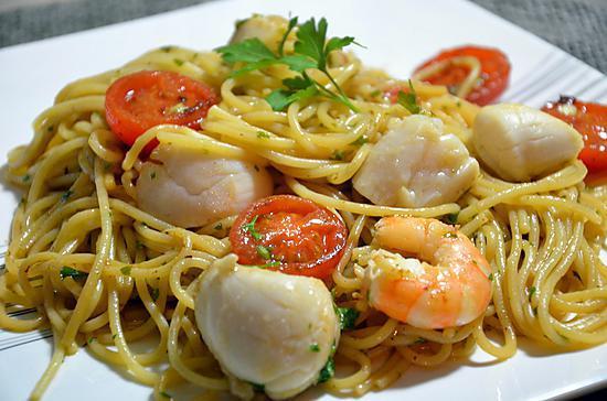 recette de spaghetti aux noix de st jacques et crevettes. Black Bedroom Furniture Sets. Home Design Ideas
