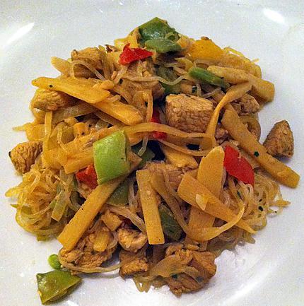 recette Konjacs sautées, dès de poulet marinés et petits légumes