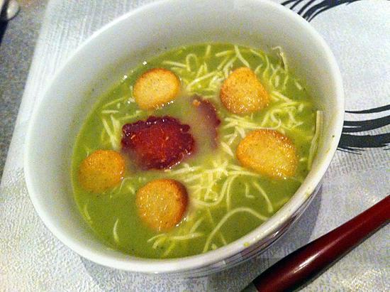 recette Velouté de cresson et courgettes aux dés de poulet au thermomix (compatible dukan)