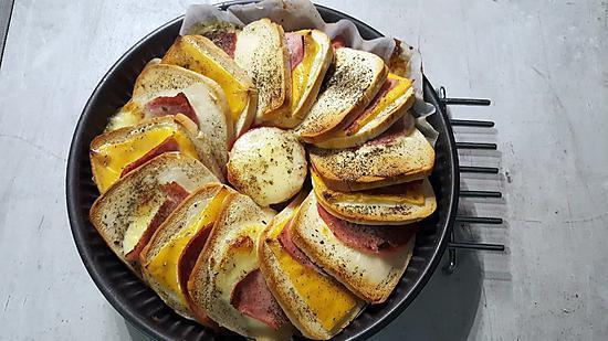recette de g teau de pain de mie tomates et mozzarella. Black Bedroom Furniture Sets. Home Design Ideas