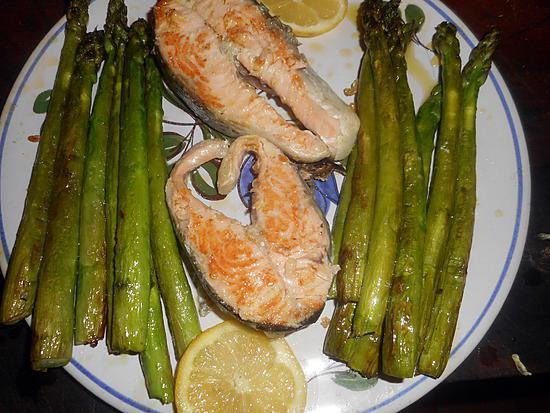 recette Darne de saumon aux asperges vertes