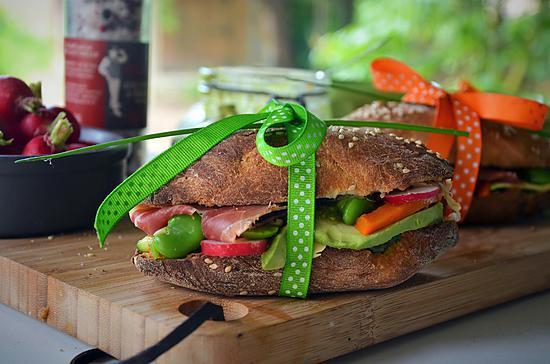 recette de sandwich vari pour pique nique pain fait maison. Black Bedroom Furniture Sets. Home Design Ideas