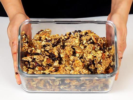recette de granola c r ales de petit d jeuner maison. Black Bedroom Furniture Sets. Home Design Ideas