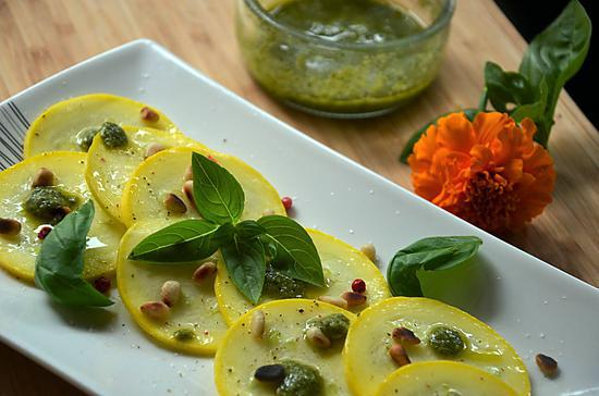 Recette de carpaccio de courgettes au pesto basilic orties - Recette fraiche pour l ete ...