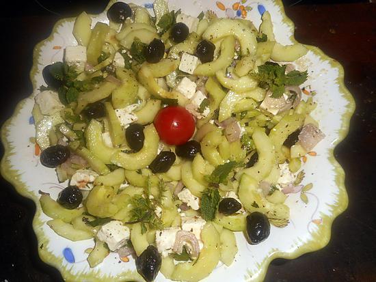 recette Salade de concombre à la féta et olives noires