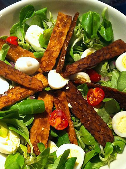 recette Salade de mâche, oeufs de cailles et tempeh snacké
