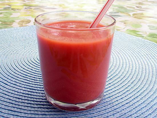 recette Soupe froide de tomates façon gaspacho