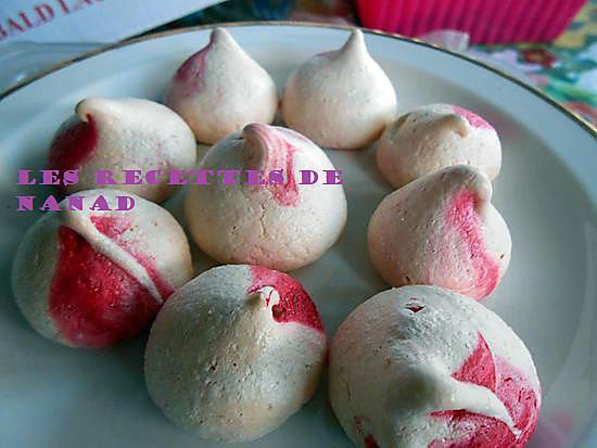 recette Petites meringues parfumées à la fraise