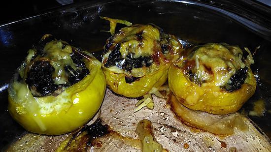 recette Tomates poivrons vertes et jaunes farcies au chou kale