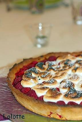 recette Tarte aux framboises meringuée aux crèmes amandine et citron