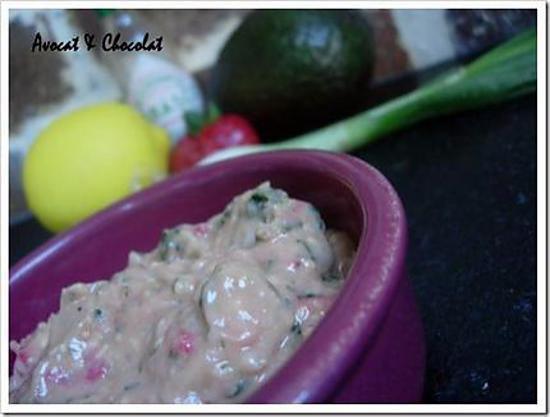 recette ** Guacamole  rose : Tradition et innovation avec une touche de fraise, coriandre & Gomasio**