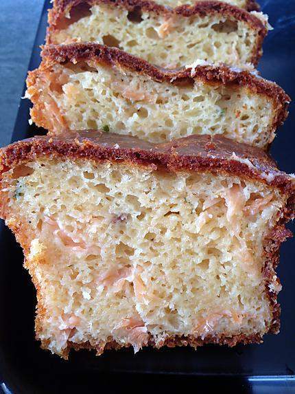 """recette Cake salé """"saumon fumé et fines herbes"""""""